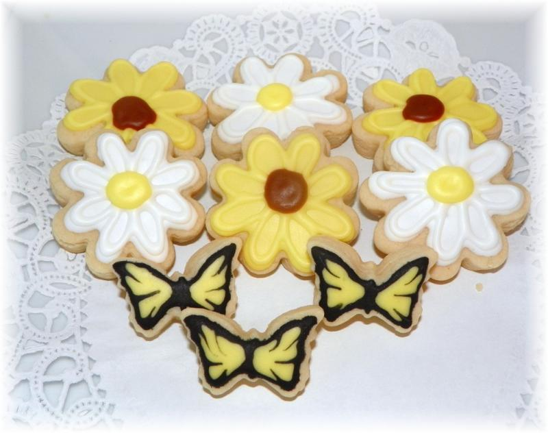 Daisy Butterfly Cookie