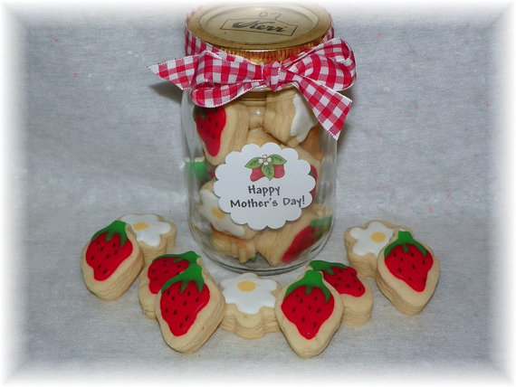 strawberry cookie gift
