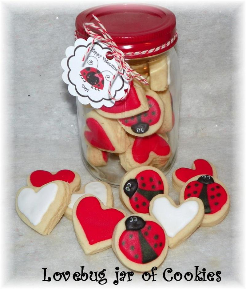 Valentine cookie jar (pt jar) apprx. 12-15 cookie